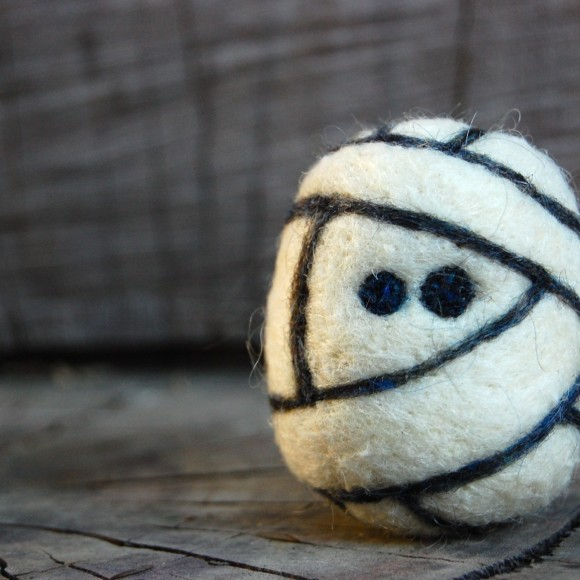 Mummy - Wooly Egg Toy by asherjasper on etsy.com