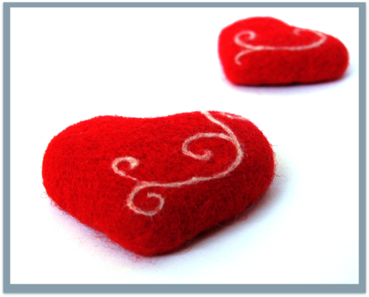 A Wooly Pleasure - Christmas Hearts by VladaHom on etsy.com